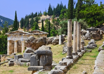 delphi-ancient-city-ruins-greece-mainland-tour-europe-dp7874493-1600_0